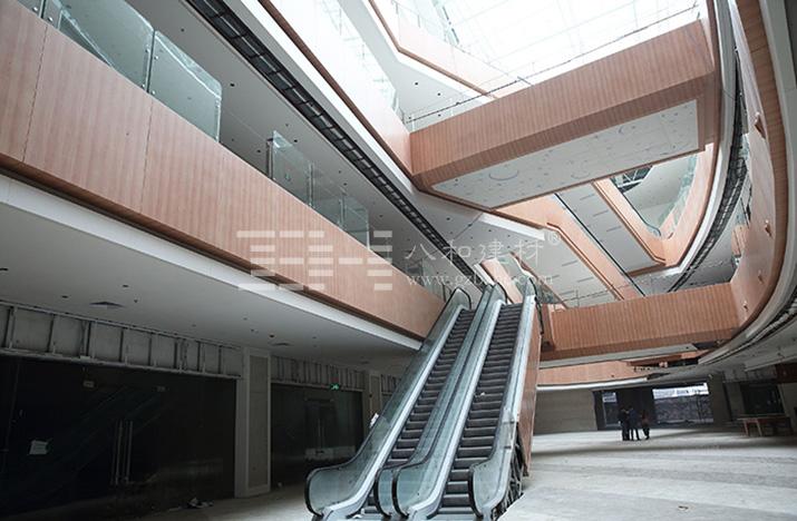 购物中心中庭护栏铝单板图片