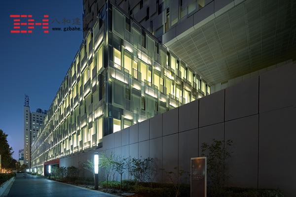 南京鼓楼医院 - 白色铝方通吊顶2