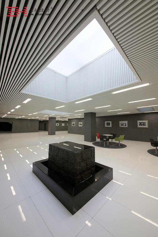 南京鼓楼医院 - 白色铝方通吊顶3