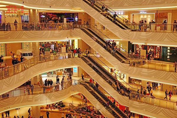商场 购物中心电梯区域与中庭过道区域铝单板案例欣赏.jpg