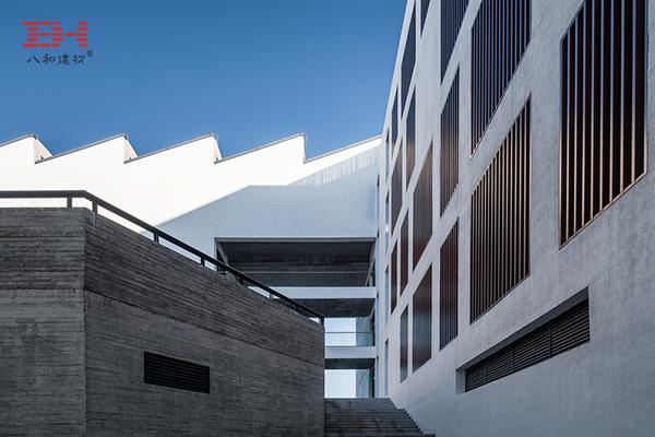 案例欣赏:铝合金格栅、铝方通装饰安徽大学艺术与传媒学院美术楼02.jpg