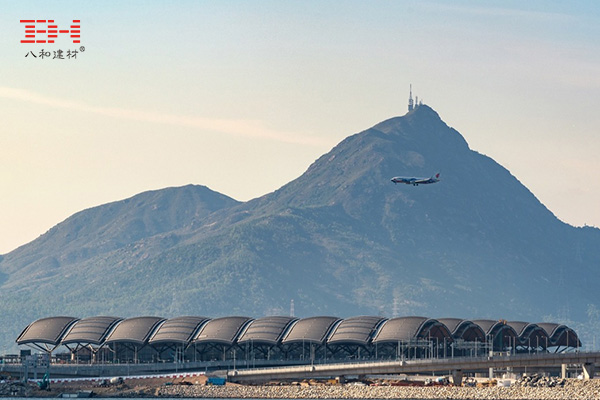 弧形铝方通打造珠澳大桥香港口岸旅检大楼穹顶装饰07.jpg