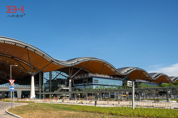 Curved Aluminum Rectangular Tube Decorates The Dome Of The Zhuhai-Australia Bridge Hong Kong Port Travel Inspection Building