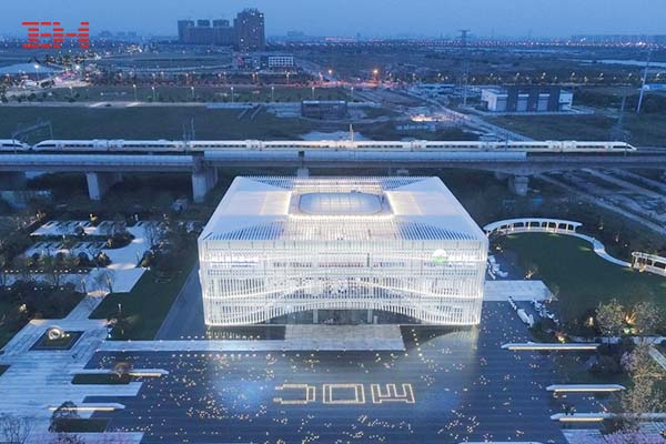 Aluminum Square Tube Creates The Exterior Wall Of Suzhou Xiangcheng District Planning Exhibition Hall
