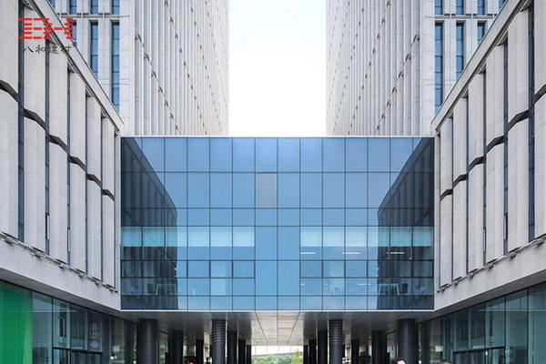 外墙铝单板打造天津新城市中心巨型百叶效果001.jpg