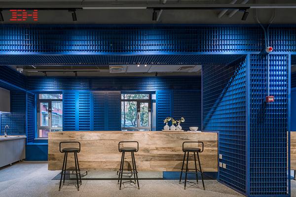 案例欣赏:铝金属网板装饰公寓公共空间