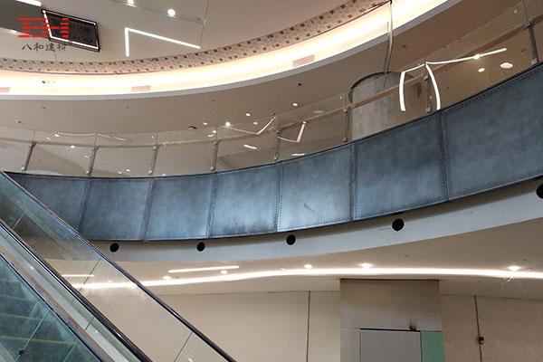 施工现场:深圳岗厦商场铝单板、做旧铝板安装