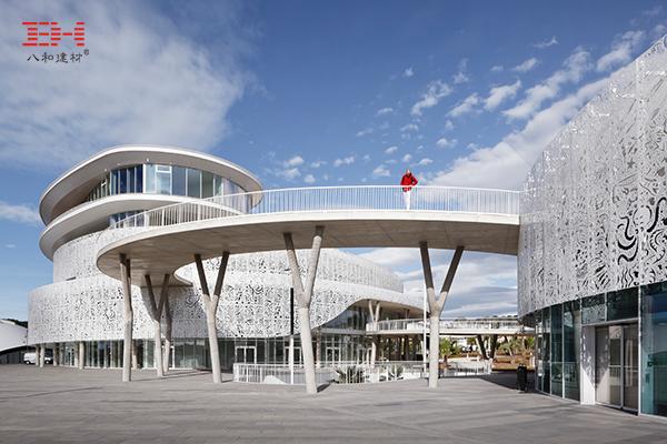案例欣赏:艺术镂空铝单板装饰阿格德角展览博彩中心