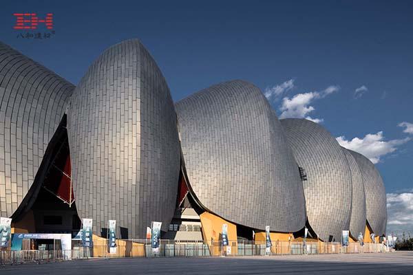 案例欣赏:铝合金蜂窝板打造的大同体育中心金属幕墙系统