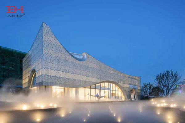 案例欣赏:穿孔铝单板构成的济南长清世茂广场主体建筑外墙