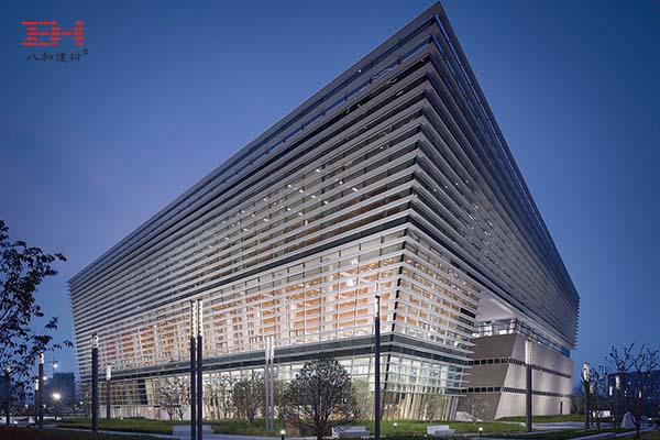 案例欣赏:遮阳铝板百叶装饰的苏州第二图书馆立面
