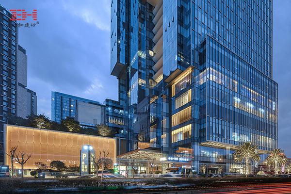 案例欣赏:冲孔铝单板和铝方通装饰的成都仁和新城天花