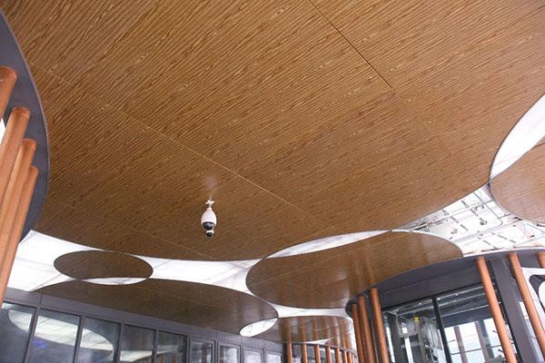 新型木纹铝单板吊顶天花