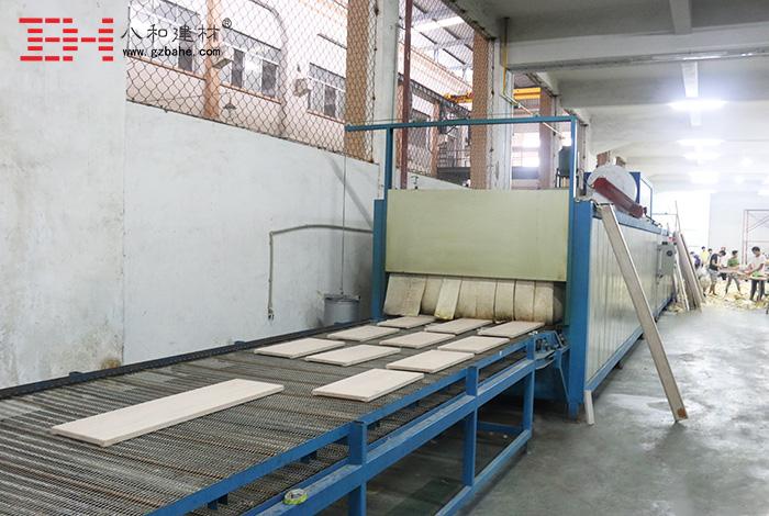【木纹铝单板】高端仿木纹生产线与车间