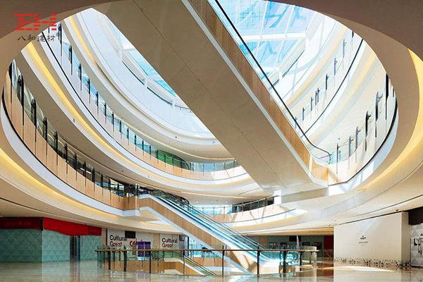 商场/购物中心电梯区域与中庭过道区域扶梯铝单板案例欣赏
