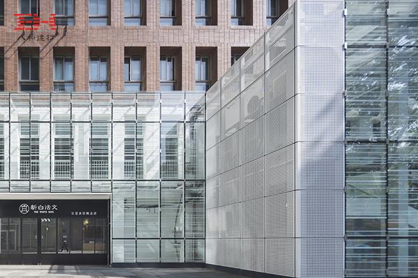 案例欣赏:幕墙铝单板/冲孔铝单板助力南京凤凰广场外观改造