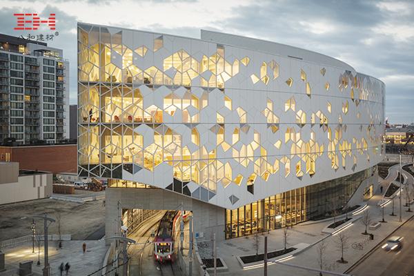 案例欣赏:造型铝单板装饰中央图书馆建筑外墙