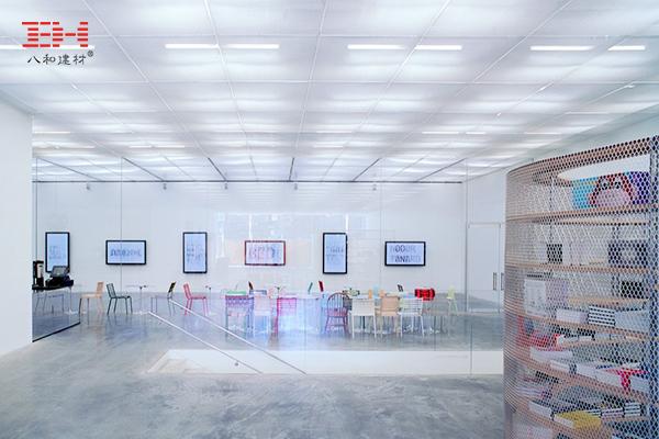 案例欣赏:金属拉伸网被运用在建筑艺术学院的室内装饰