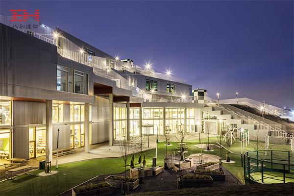 案例欣赏:型材铝方通装饰南港学校外墙