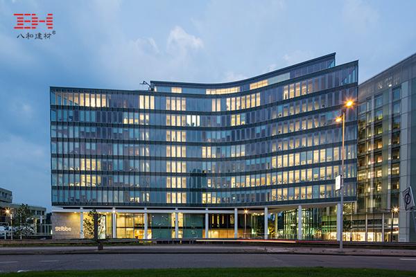 案例欣赏:造型铝单板、冲孔铝单板装饰律师事务所总部大堂空间